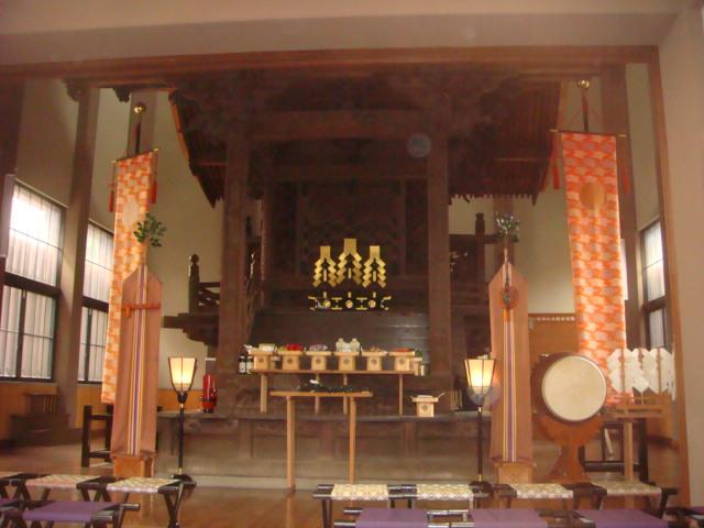 日野八坂神社内部